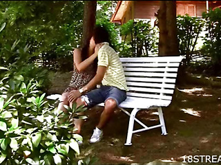 Pretty dude licks and drills cunt of hottie insusceptible to a couch