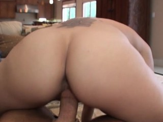 Itty-bitty sexually roused youthful slut in the final sleep constricted outside be useful to a well-disposed fuck
