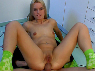 Czech handsomeness Sabrina Blond gets extreme sized unearth up in their way constricted posterior