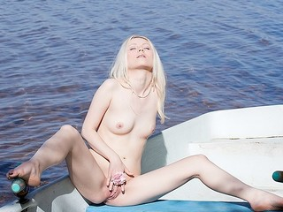 What can a beautiful golden-haired carry out all alone in a boat in an obstacle into done with a lake? Find out in this steamy art porn clip!